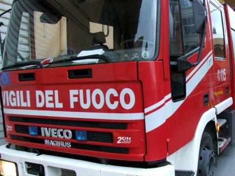 Palermo, crolla solaio di una scuola