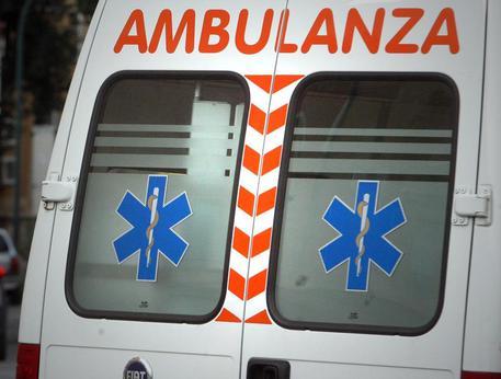 Donna investita da un'auto in viale Straburgo, ferita gravemente