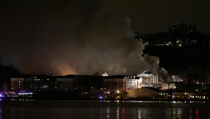 Usa: maxi-incendio in New Jersey