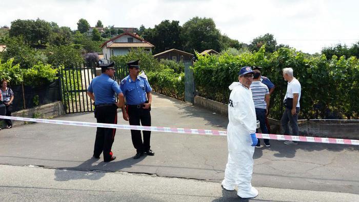 """Omicidio in villa a Biancavilla, fermata la moglie della vittima: """"Era violento"""""""