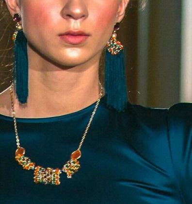 Scozia e stile retro' per le creazioni di Elisa Madonia, disegnatrice di gioielli