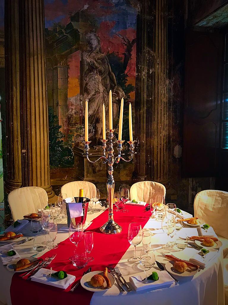A Villa Adriana si saluta l'ingresso del nuovo anno tra cibi raffinati, giochi d'artificio e tanta bella musica