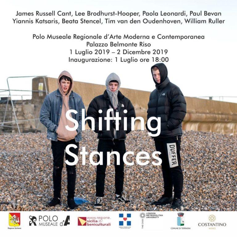 """""""Shifting Stances"""", a Palazzo Riso la mostra di 6 fotografi europei contemporanei sull'identità e i cambiamenti sociali"""