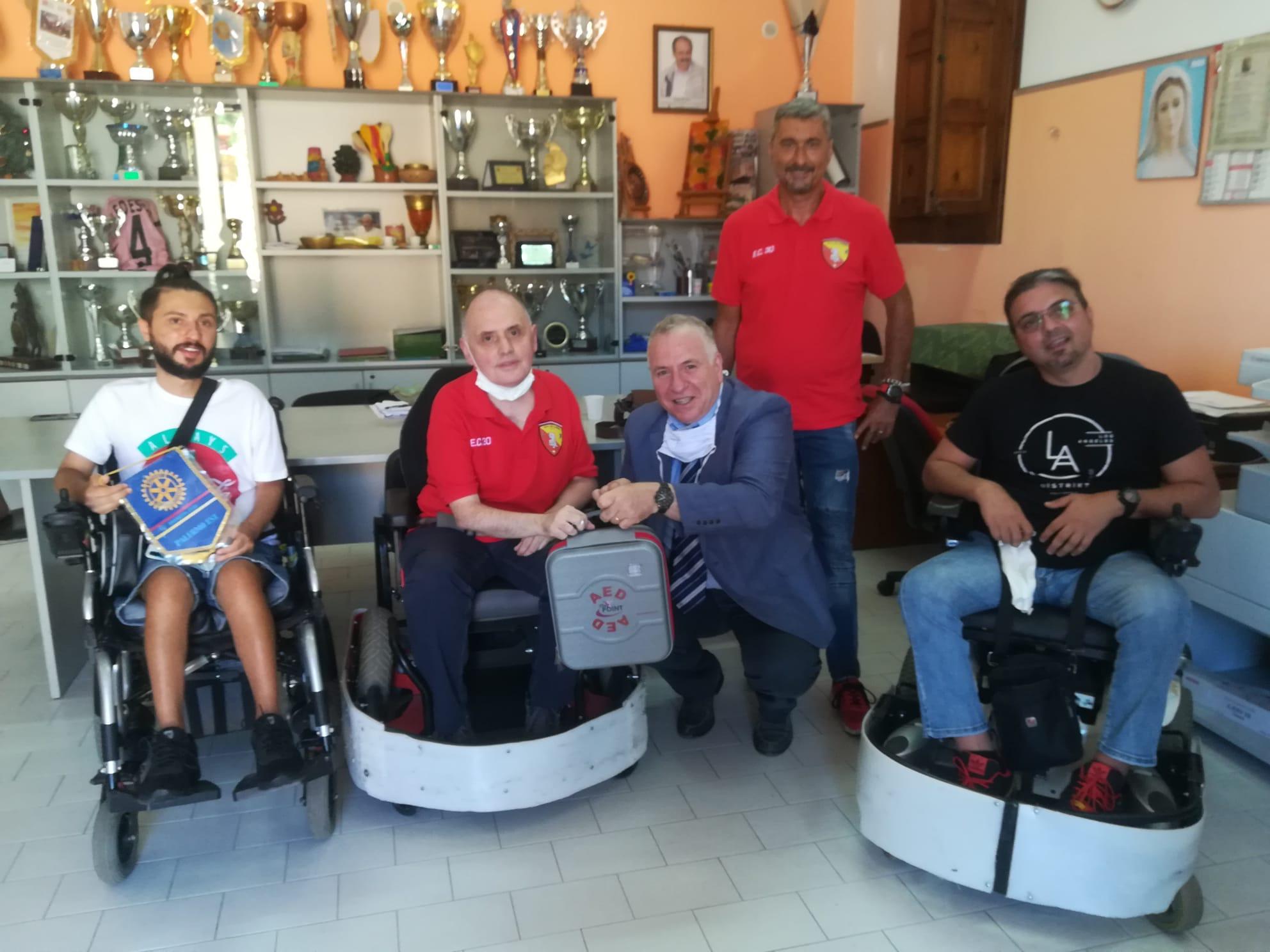 La UILDM Palermo da oggi ha il suo defibrillatore grazie alla generosità del Rotary Club Palermo Est
