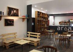 Risorge Arèa con un negozio, cantina a Piazza Rivoluzione